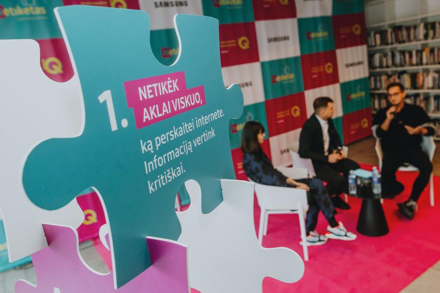 Sukurtos pirmosios Lietuvos moksleivių skaitmeninio etiketo taisyklės