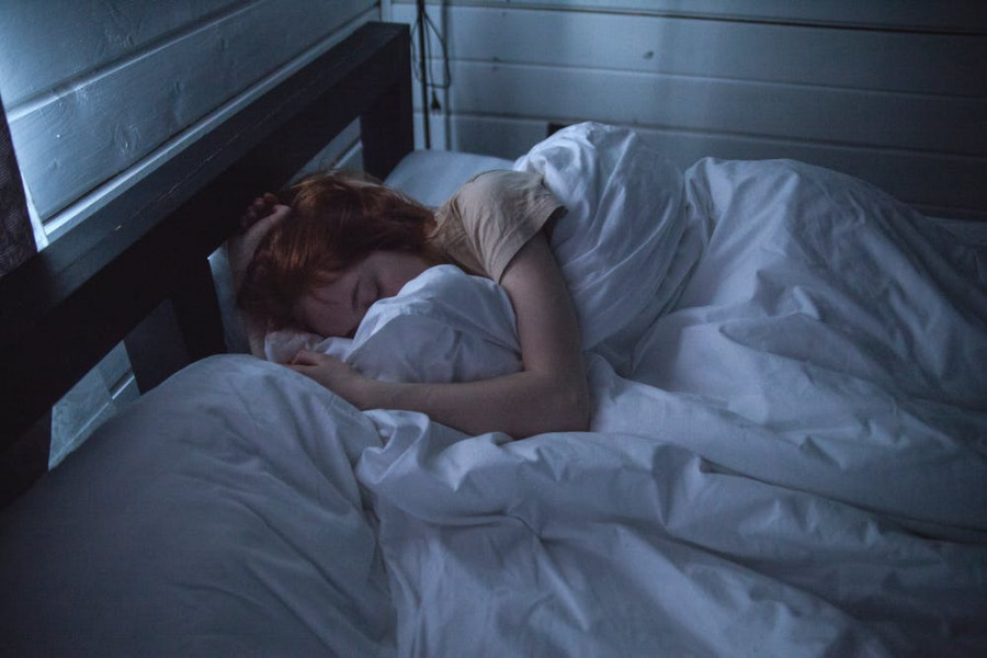 Naršymas internete vietoj miego: ką labiausiai nuskriaudžiame?